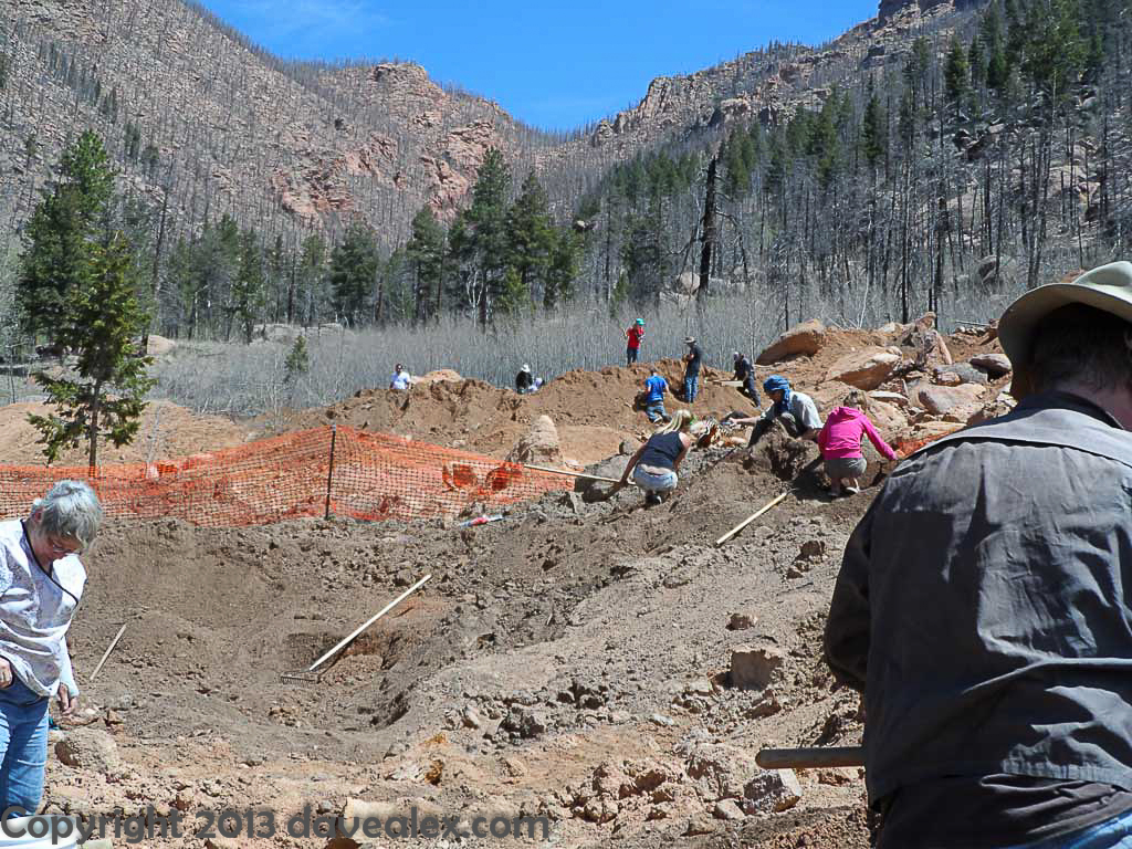 People digging at the mine