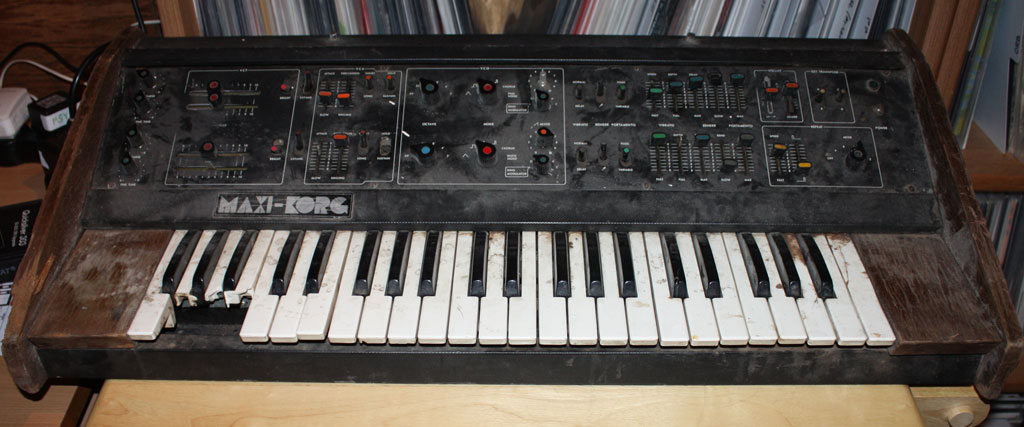 Korg DV-800 ready for a cosmetic overhaul