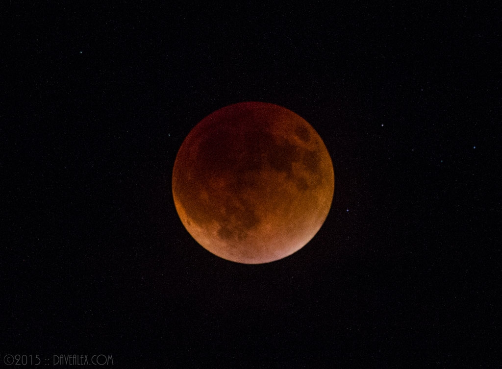 Fully Eclipsed Super Moon