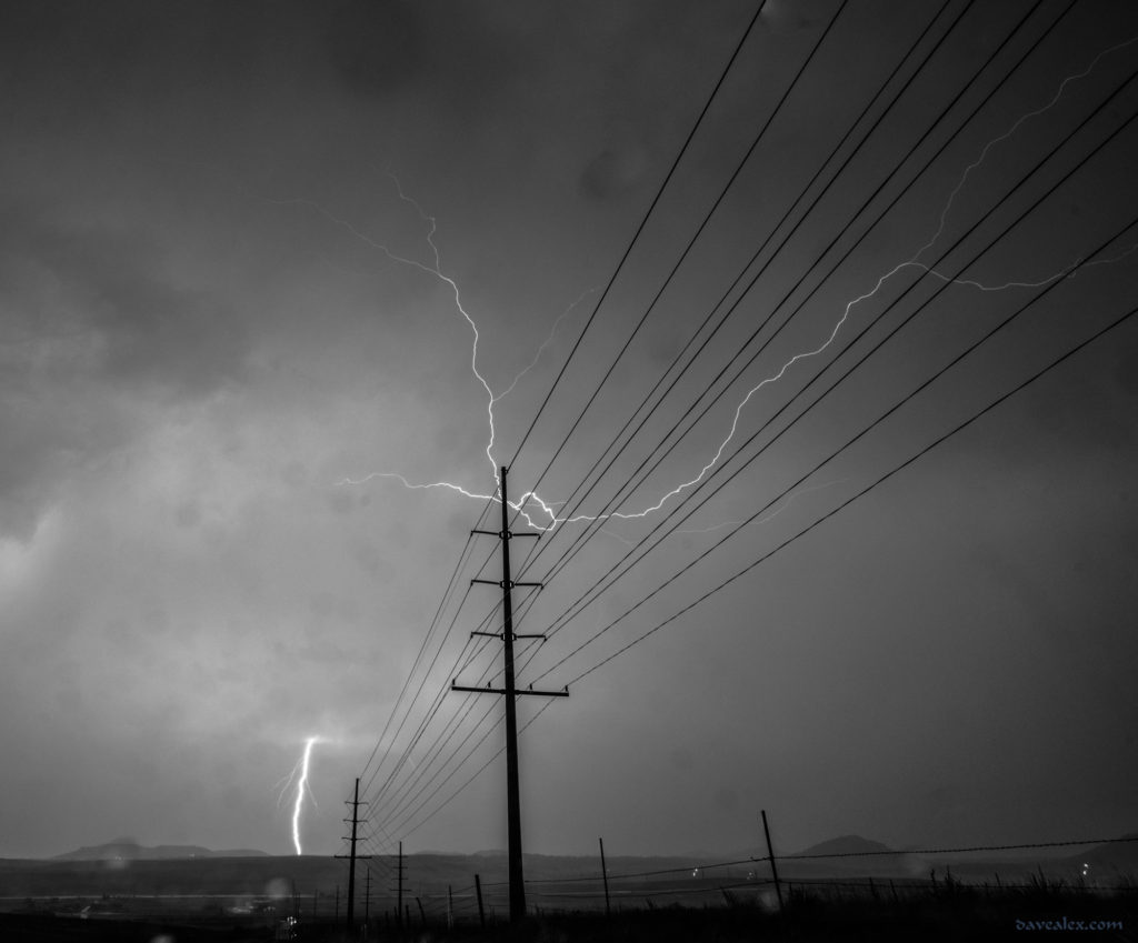 b&w lightning photo